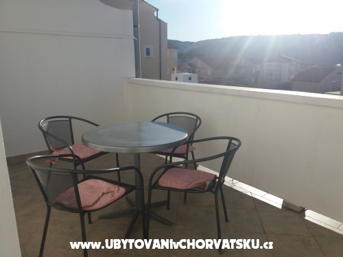 Apartmaji Višnja - ostrov Rab Hrvaška