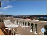 Ferienwohnungen Anny mit Pool - ostrov Rab Kroatien