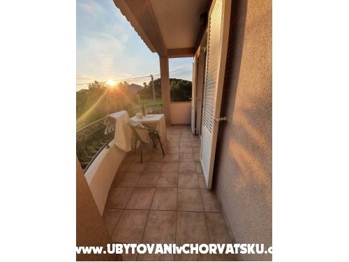 Apartmani- Villa Ilijic - ostrov Rab Hrvatska