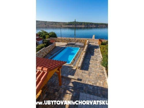 App. Villa Seka with Pool - ostrov Rab Croatie