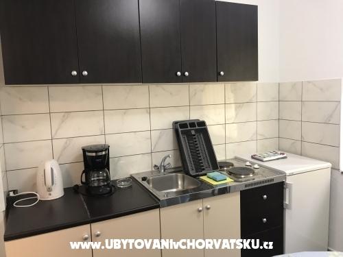 Apartmanok Pavlecic - ostrov Rab Horv�torsz�g