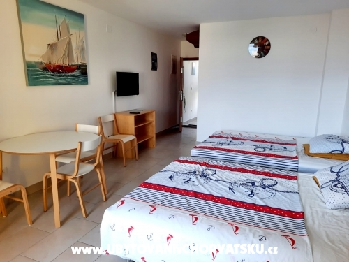 Appartements-Pension Tijan - Ražanac Kroatien
