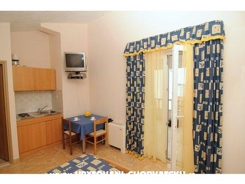 Aparthotel eM-Ka - Rogoznica Horvátország