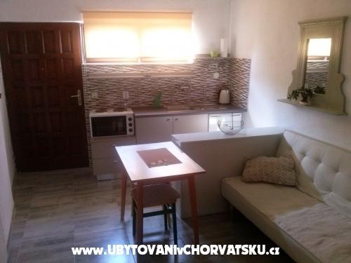 Apartm�n Mezaroca - Rogoznica Chorvatsko