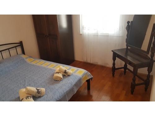 Apartman Mišić- OAZA MIRA - Rogoznica Hrvatska