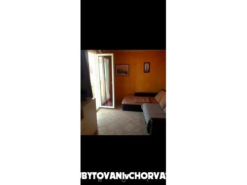 Vesna - Rogoznica Chorvatsko
