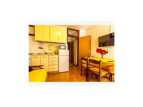Apartments Villa Mira Mark - Rogoznica Croatia