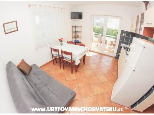 Apartm�ny Bartoli� - Rogoznica Chorv�tsko