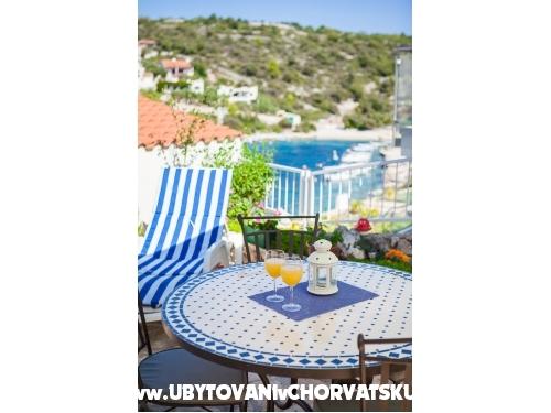 Apartm�ny Bose - Rogoznica Chorv�tsko
