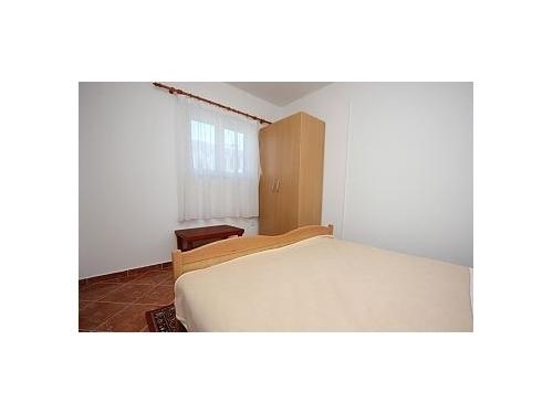 Apartmaji Burazer Ili�i� - Rogoznica Hrva�ka