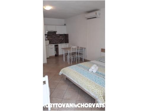 Appartements Dino - Rogoznica Croatie