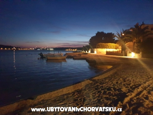 Apartments Dino - Rogoznica Croatia