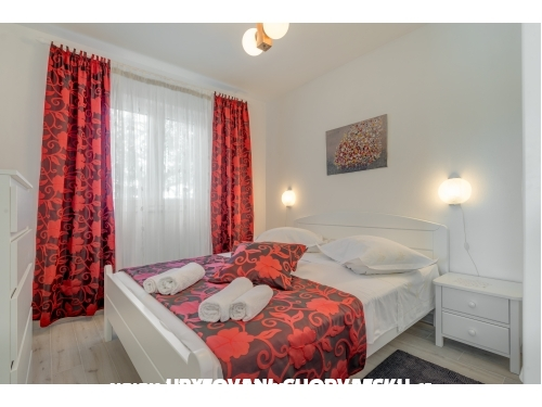 Apartments Iva - Rogoznica Croatia