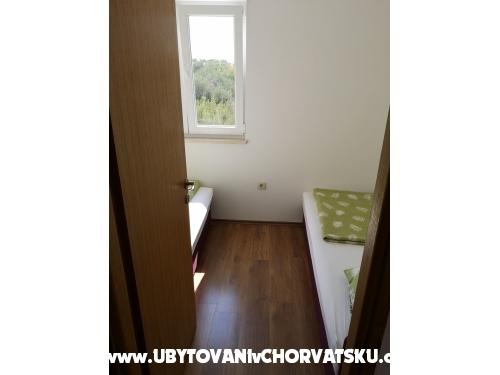 Apartmaji Grgić - Rogoznica Hrvaška