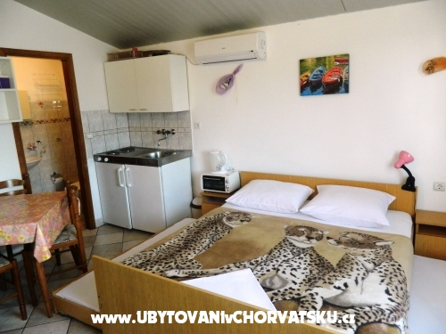 Appartements Jakoubek - Rogoznica Kroatien