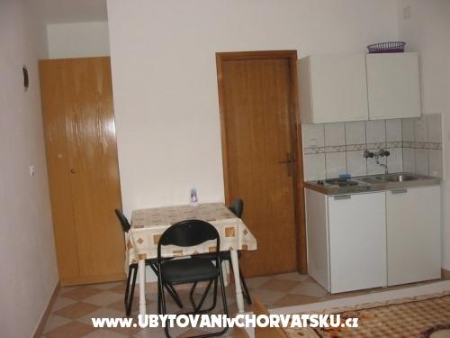 Apartmaji Jakoubek - Rogoznica Hrva�ka