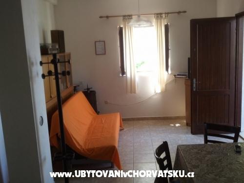 Apartmanok Katunari� - Rogoznica Horv�torsz�g