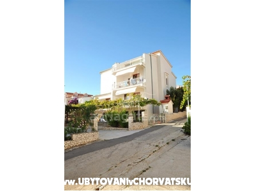 Apartments LEMO - Rogoznica Croatia