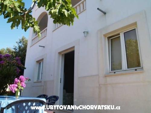 Apartm�ny Maslina - Rogoznica Chorvatsko