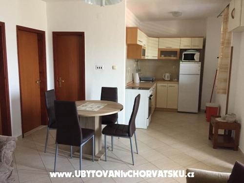 Appartements Milan - Rogoznica Kroatien