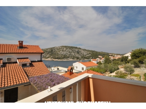 Appartements Panorama s bazenom - Rogoznica Croatie