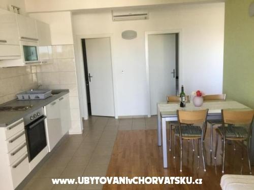 Apartments Sandra - Rogoznica Croatia