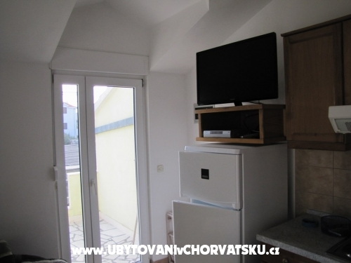 Apartmani �karpa - Rogoznica Hrvatska