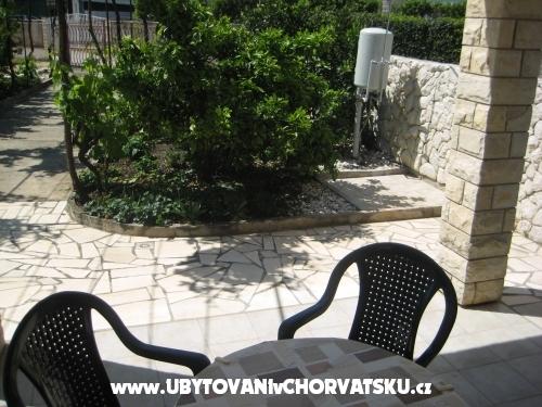 Apartmány Biserka - Rogoznica Chorvatsko