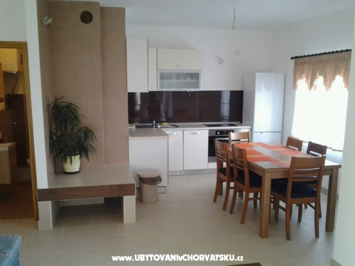 Appartements Kre�imir   VE� OD 30 EUR - Rogoznica Croatie