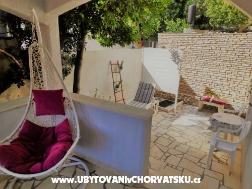 Ferienwohnungen Captain`s house - Rogoznica Kroatien