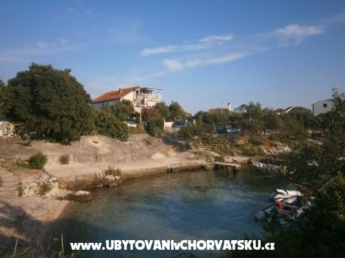 Apartm�ny Ivan Lozica - Rogoznica Chorv�tsko