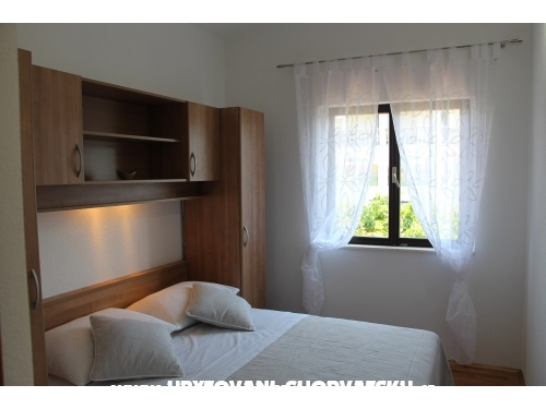 Apartments Ivka - Rogoznica Croatia