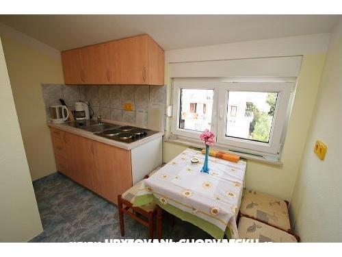 Apartmani Knezevic - Rogoznica Hrvatska