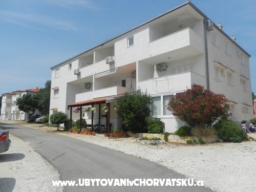 Apartments Radic - Rogoznica Croatia