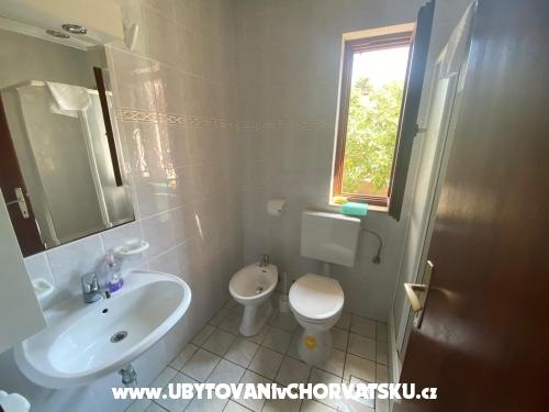 Apartmaji Viktor - Rogoznica Hrvaška