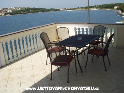 Apartmani Villa Branka - Rogoznica Hrvatska