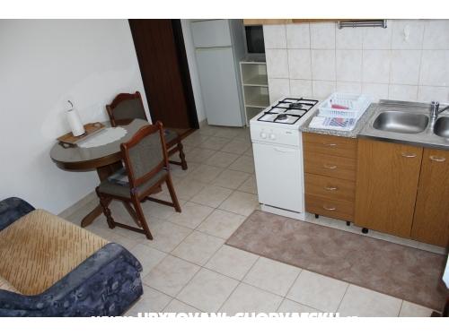 Barač Apartmány - Rogoznica Chorvatsko