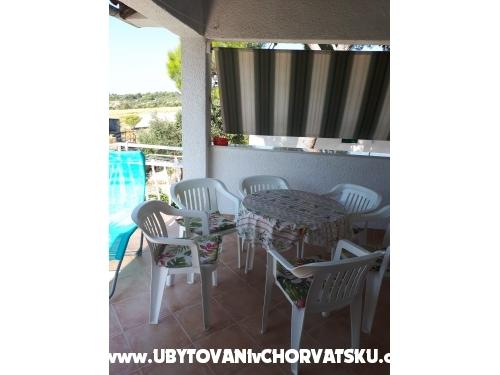 Kuća Zvonimir - Rogoznica Hrvatska