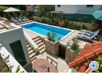 Apartments Me�in - Rogoznica Croatia