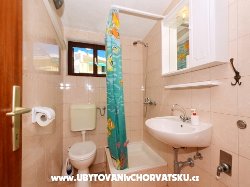 Apartmaji Divna - 30 m from the sea - Rogoznica Hrva�ka