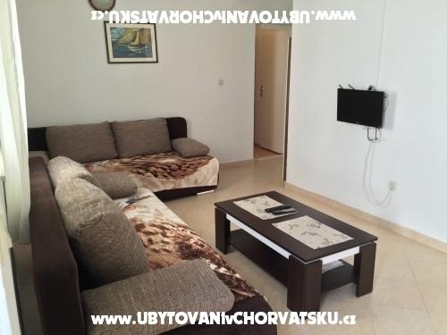 Vinka apartments DIREKT NA PLAŽI - Rogoznica Hrvaška