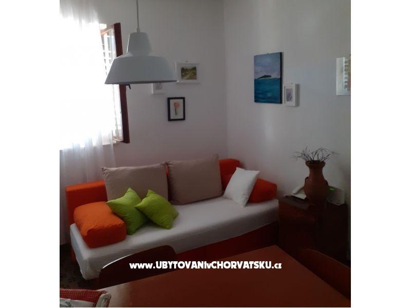 viva lozica rogoznica kroatien lozica ferienwohnung. Black Bedroom Furniture Sets. Home Design Ideas