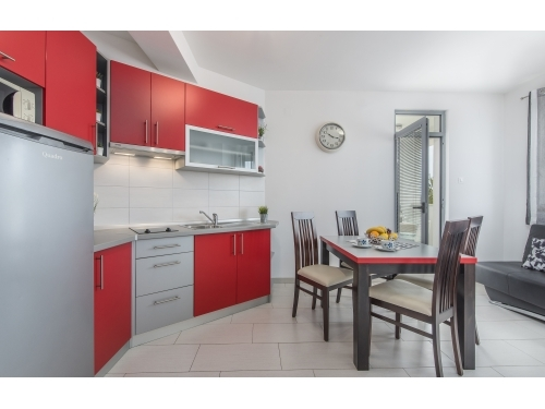 Apartmaji Kimi with swimming pool - Rovinj Hrva�ka