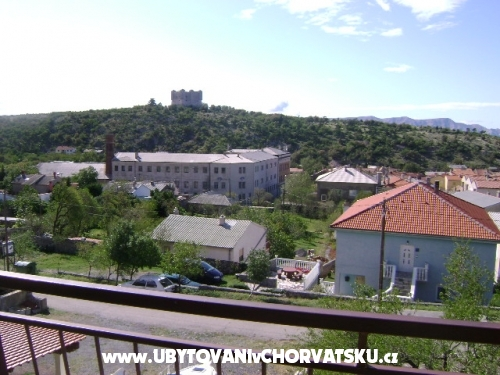 Apatmani Su�i� - Senj Хорватия