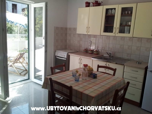 Apartmány Elizabet - ostrov Šolta Chorvatsko