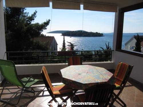 Apartmani Mira - ostrov �olta Hrvatska