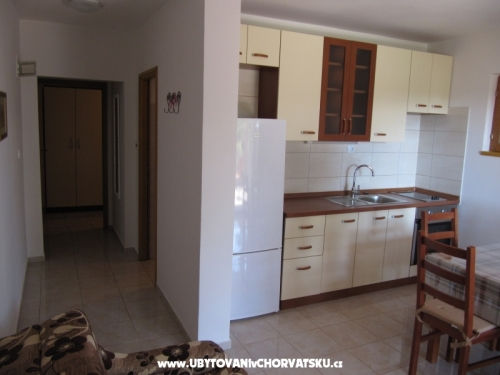 Appartements Mira - ostrov Šolta Kroatien