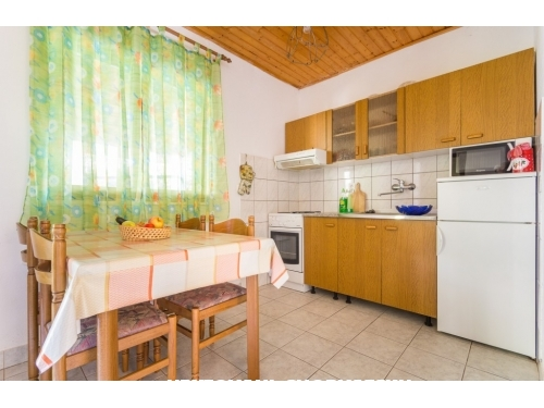 Apartmanok Jakov - ostrov Šolta Horvátország