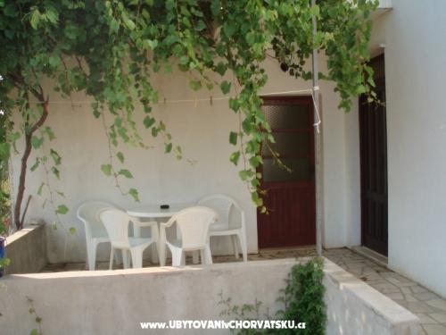 Apartmenty pokoje Urlić - Sreser Croatia