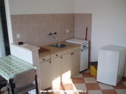 Appartamentoy pokoje Urlić - Sreser Croazia